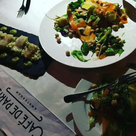Healthy food Cafe de Paris