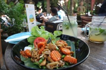 Thai food at the most awesome restaurant Chiang Mai